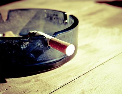 Eliminar el olor a tabaco de la ropa